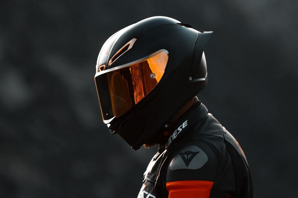 Livsviktig motorsykkelhjelm
